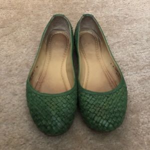 Green Frye ballet flats. Woven leather. Size 9.
